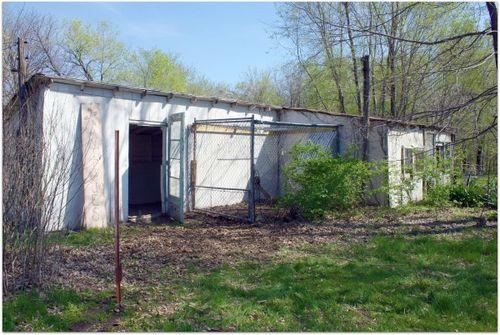 Chicken coop building 069
