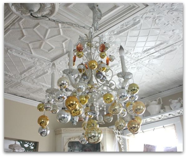 Karlas cottage how to decorate your chandelier for christmas shine 083 aloadofball Image collections