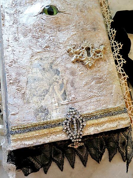Sister visit and magic  books 174