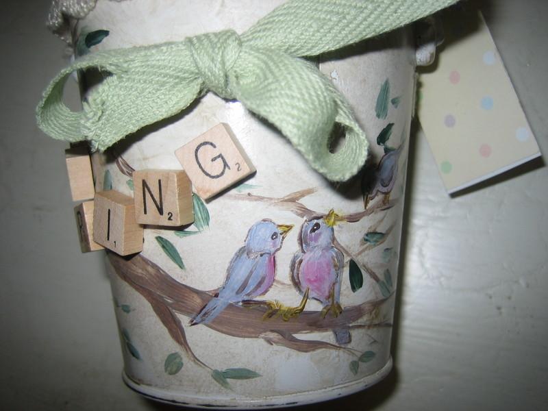 Bird_bucket_010