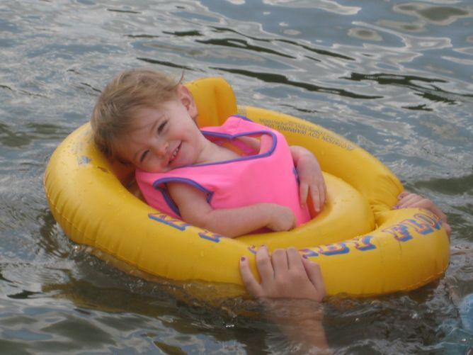 Leelee_swimming_august_004