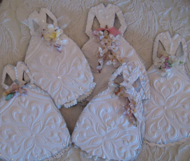 Paper_doll_dresses_048