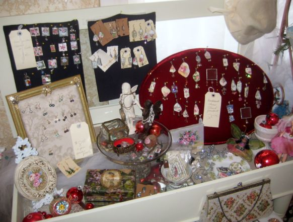 Ornaments_and_earrings_053
