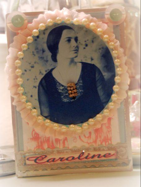 Caroline_card